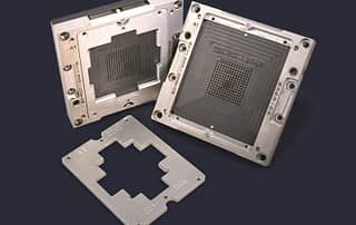 Universal array socket in different stages of assembly